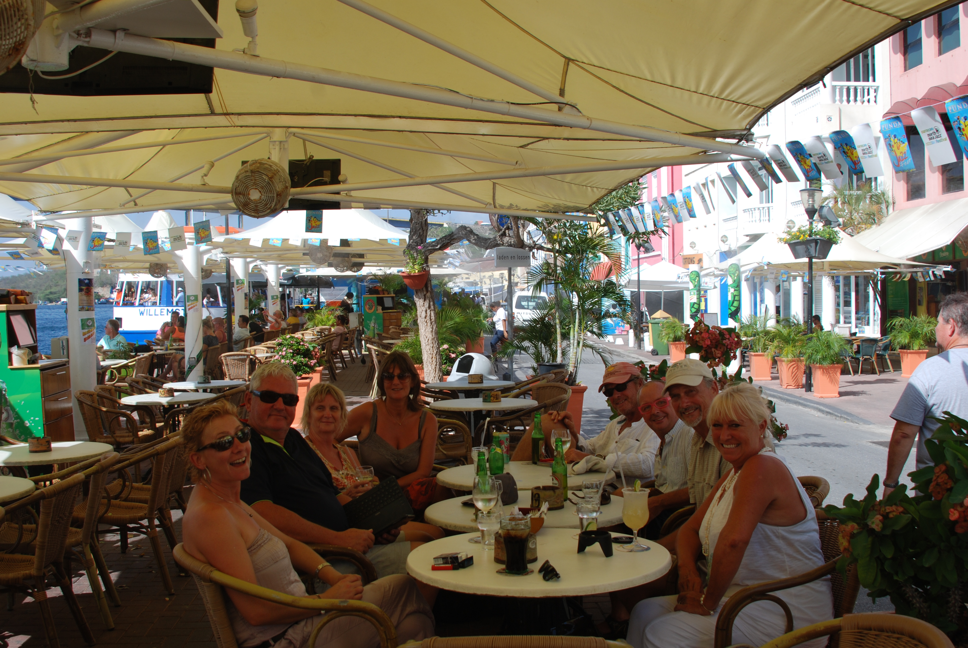 Shopping & lunch in Curacao